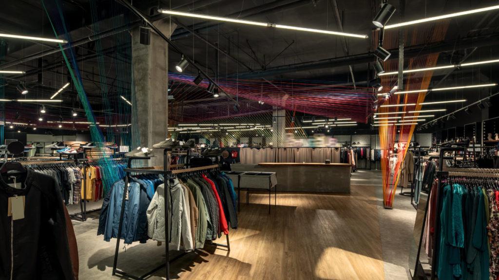dark store fashion data